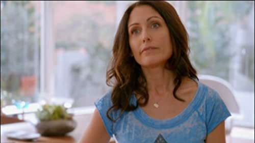 Trailer for Girlfriends' Guide To Divorce