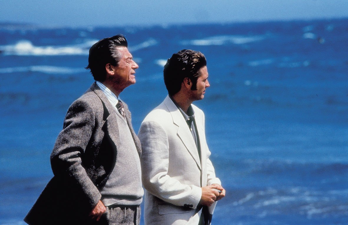 John Hurt and Jason Priestley in Love and Death on Long Island (1997)