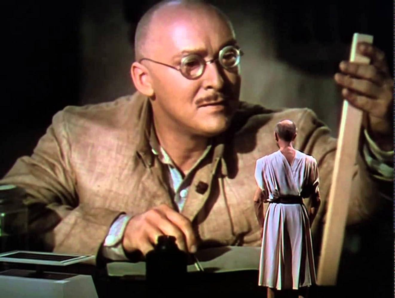 Albert Dekker in Dr. Cyclops (1940)