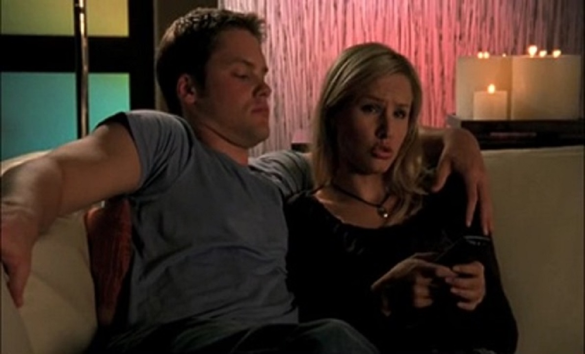 Kristen Bell and Teddy Dunn in Veronica Mars (2004)