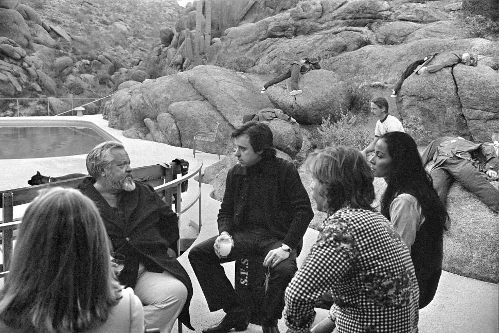 Orson Welles, Peter Bogdanovich, Cybill Shepherd, and Oja Kodar in They'll Love Me When I'm Dead (2018)