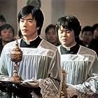 Kim In-kwon and Sang-Woo Kwon in Shinbu sueob (2004)
