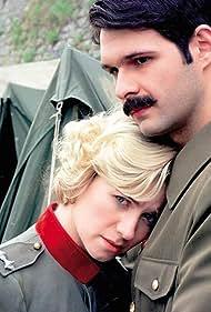 Ana Sofrenovic and Aleksandar Sreckovic in Nasa engleskinja (1997)