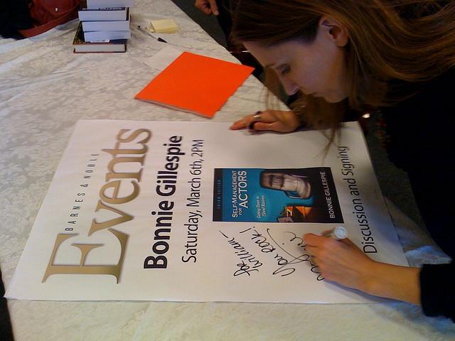Bonnie Gillespie at Barnes & Noble discussing Self-Management for Actors, March 6, 2010.