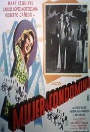 Mujer en condominio Poster