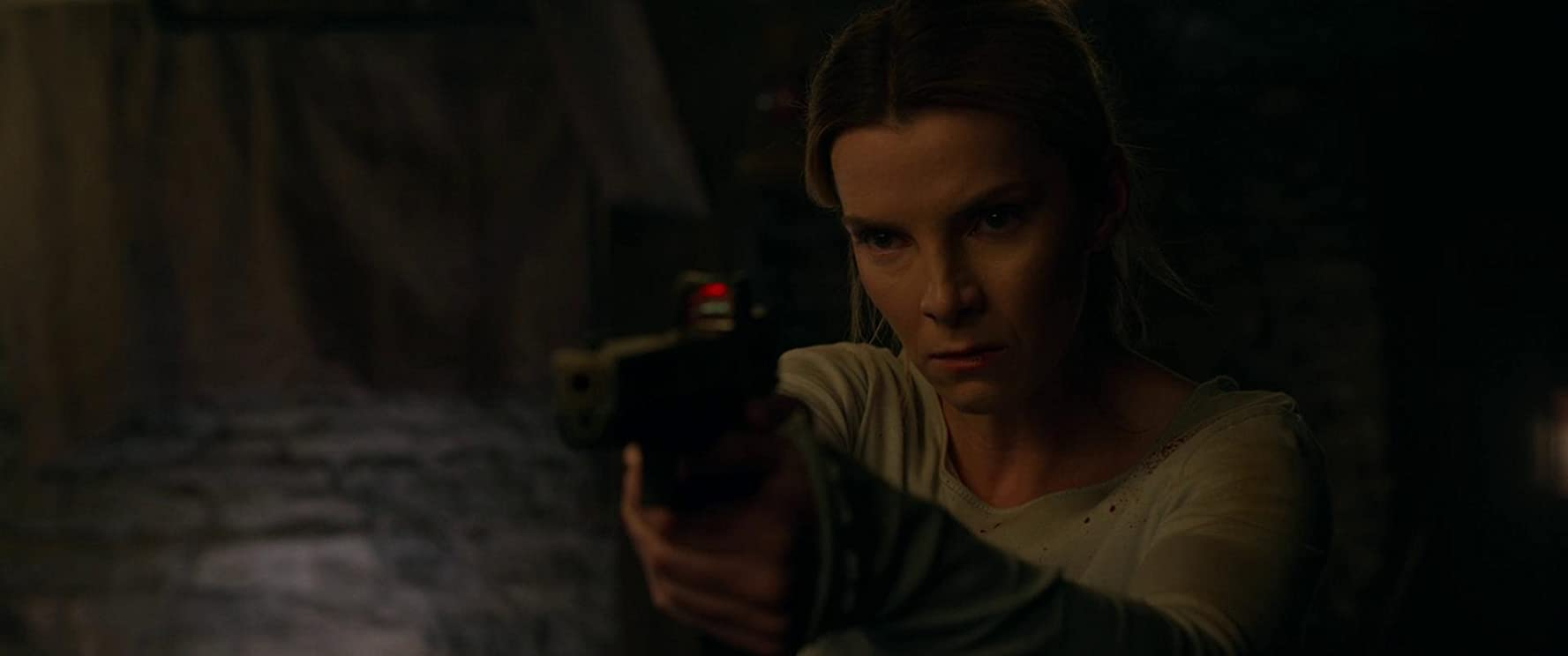 Betty Gilpin in The Hunt (2020)