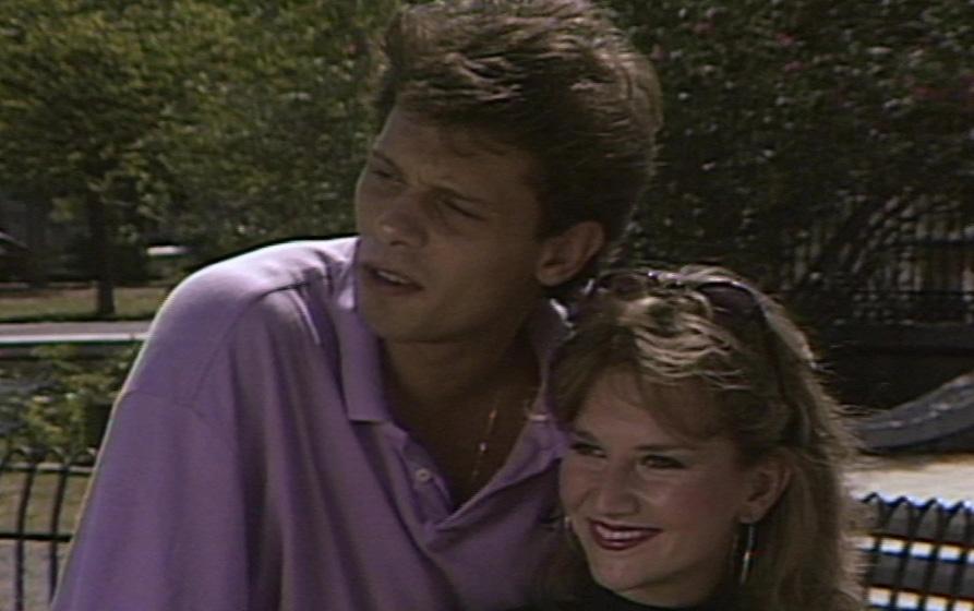 Johnny Theodoridis and Eleni Kefalopoulou in Orma Rena stin arena (1988)
