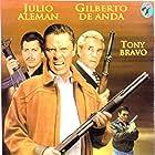 Julio Alemán, Tony Bravo, Carlos Cardán, Gilberto de Anda, Jackie Torres, and Mario Ramirez Reyes in Acábame de matar (1998)