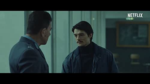 """Robert, a young policeman """"out of principle"""", finds a serial gay killer. In the course of the investigation, he meets Arek. She decides to use him as an informant, not realizing how much this relationship will affect not only his work, but also his personal life."""