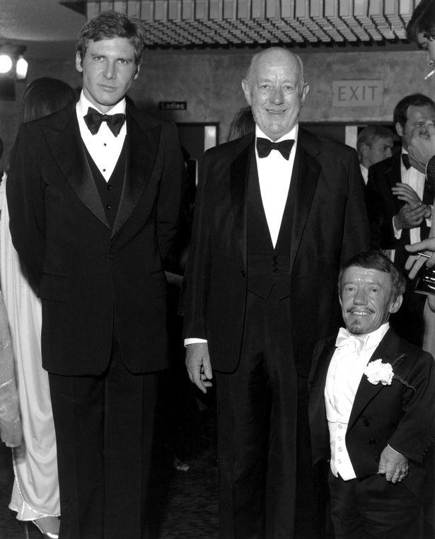 ¿Cuánto mide Harrison Ford? - Altura - Real height MV5BMDI2M2JjN2ItMTRmMi00MTdhLWIwMGEtNjdiYmM4OTIwYWEzXkEyXkFqcGdeQXVyNjUwNzk3NDc@._V1_