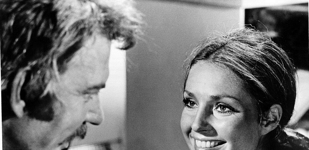 Donald Sutherland and Jennifer O'Neill in Lady Ice (1973)