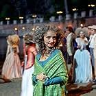 Maria de Medeiros in Il resto di niente (2004)