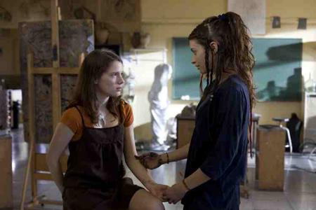 Diana Gómez and Ariadna Cabrol in Eloïse (2009)