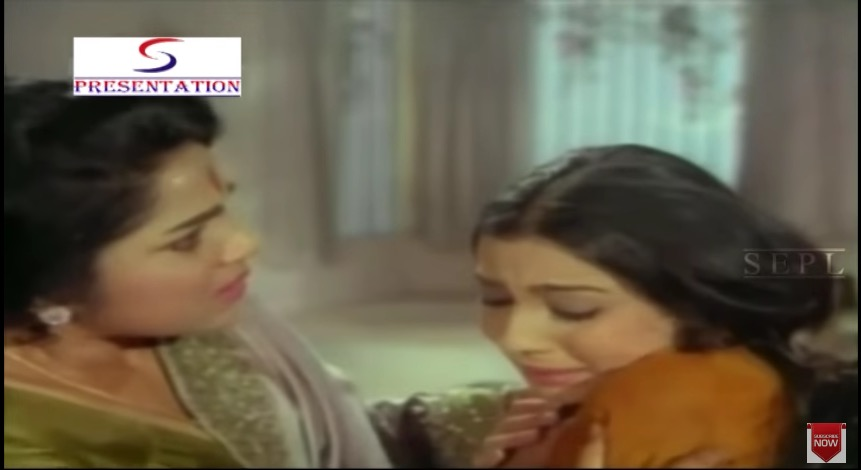 Tanuja and Bhanumati in Nai Roshni (1967)