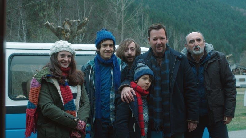 António Cordeiro, Marco D'Almeida, Dinarte de Freitas, Ana Marta Contente, João Sá Nogueira, and Tomás Andrade in Índice Médio de Felicidade (2017)