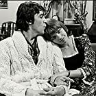 Jean Besré and Louise Portal in La p'tite semaine (1974)