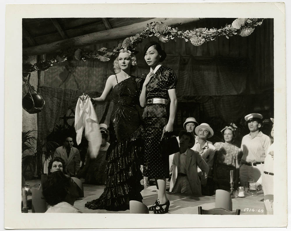 Virginia Dabney and Anna May Wong in Daughter of Shanghai (1937)