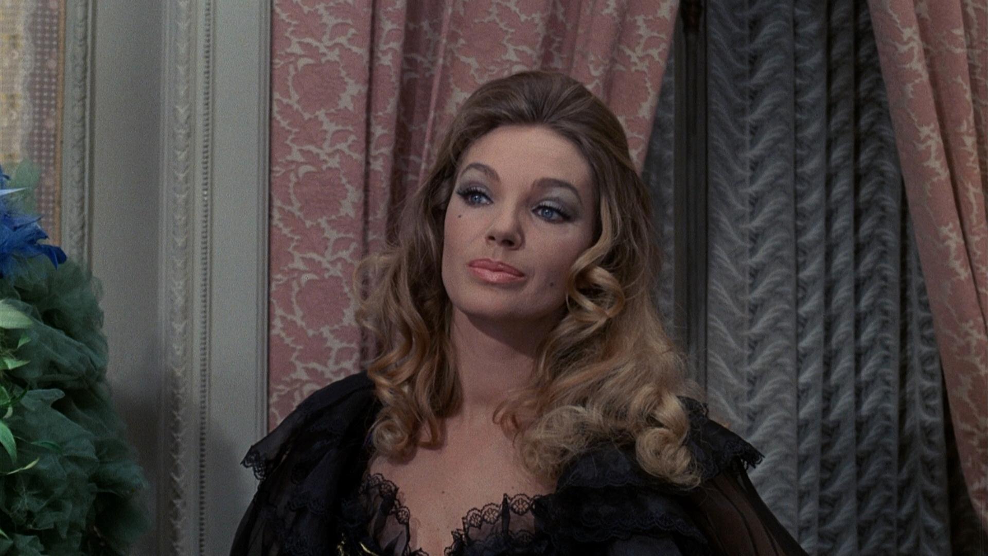 Maria Perschy in Murders in the Rue Morgue (1971)