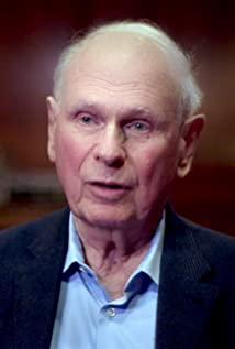Paul Hellyer Picture