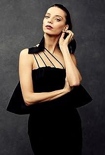 Angela Sarafyan Picture