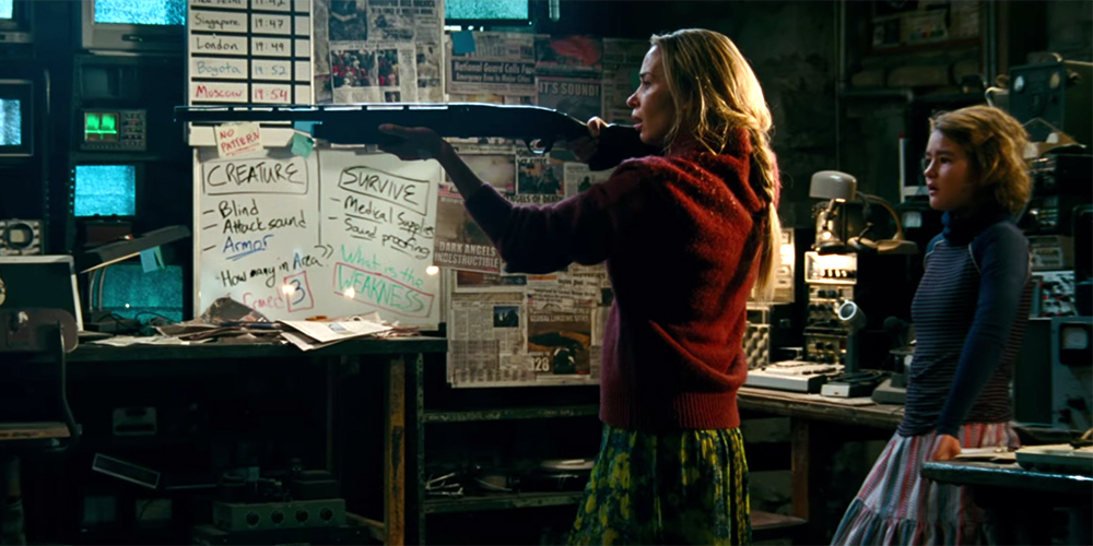 Emily Blunt dan Millicent Simmonds dalam A Quiet Place (2018)
