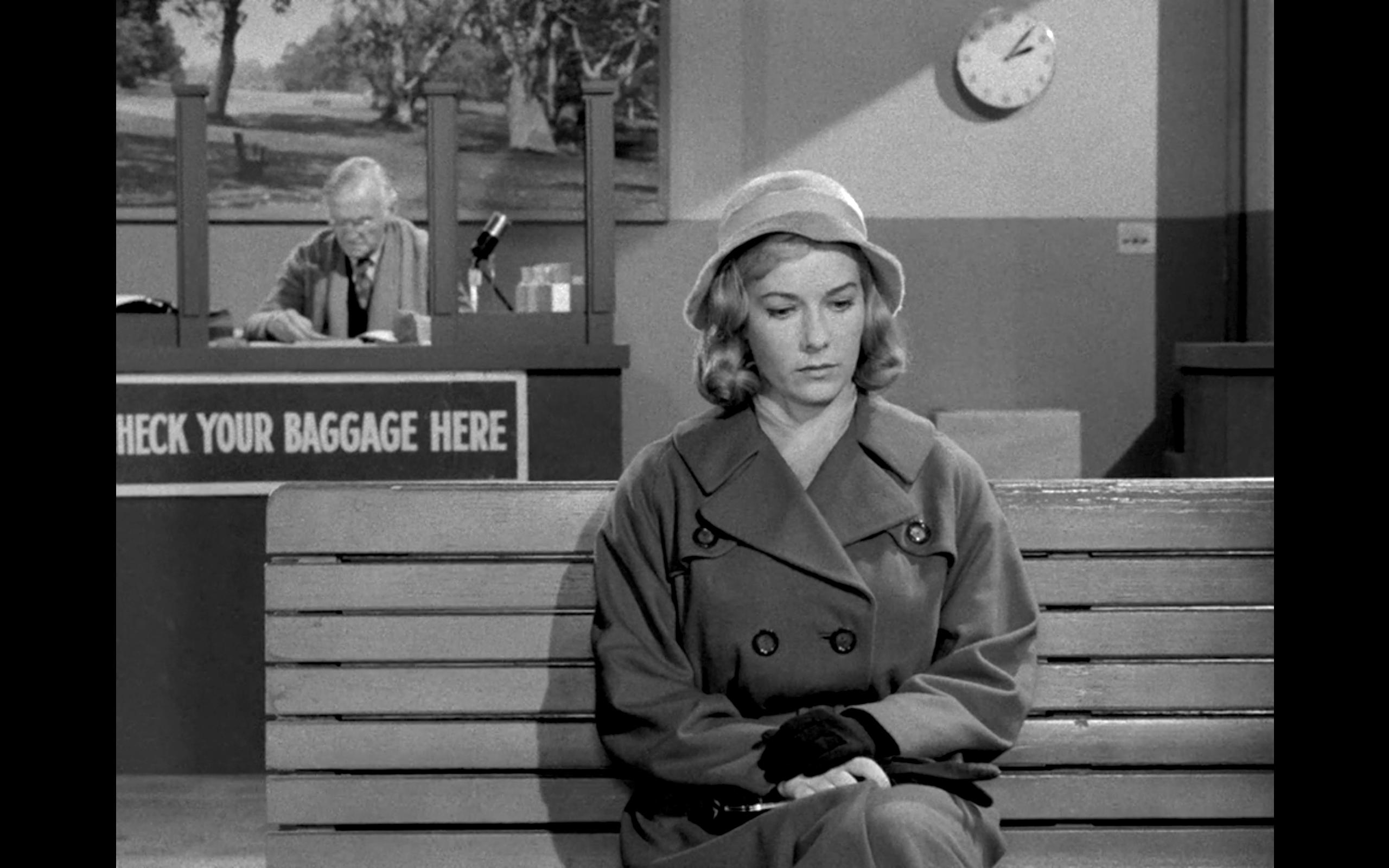 The Twilight Zone Mirror Image Tv Episode 1960 Imdb