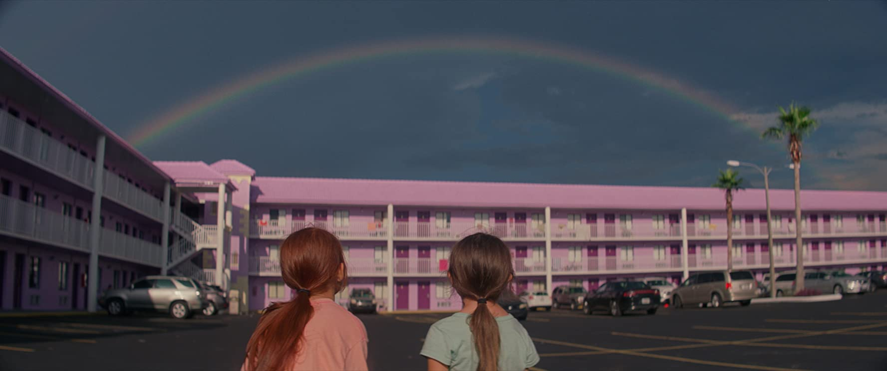Brooklynn Prince and Valeria Cotto in The Florida Project (2017)