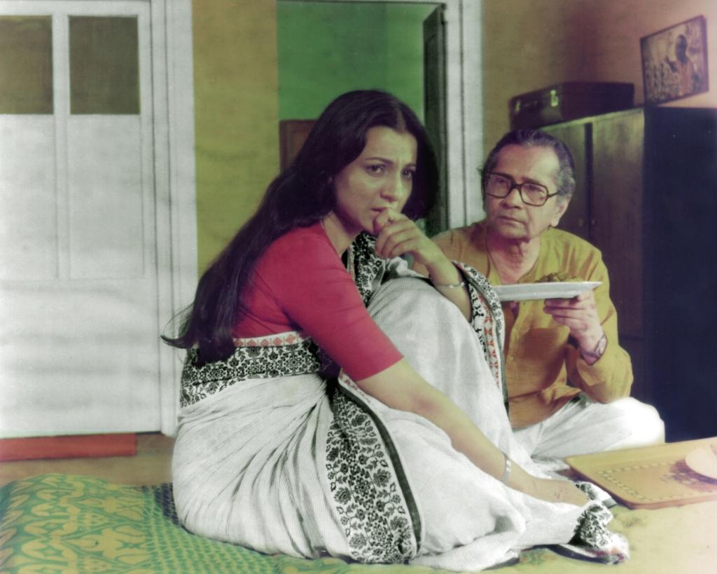 Adalat O Ekti Meye ((1982))