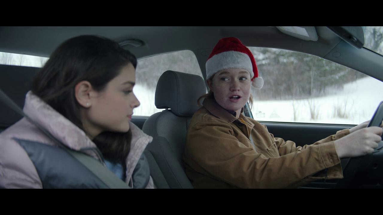 Odeya Rush and Liv Hewson in Let It Snow (2019)