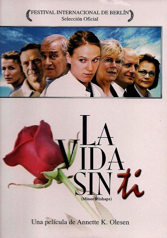 Jesper Christensen, Jannie Faurschou, Jørgen Kiil, Karen-Lise Mynster, Henrik Prip, and Maria Rich in Små ulykker (2002)