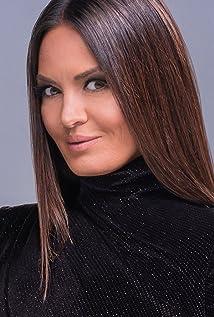 Lisa Barlow Picture