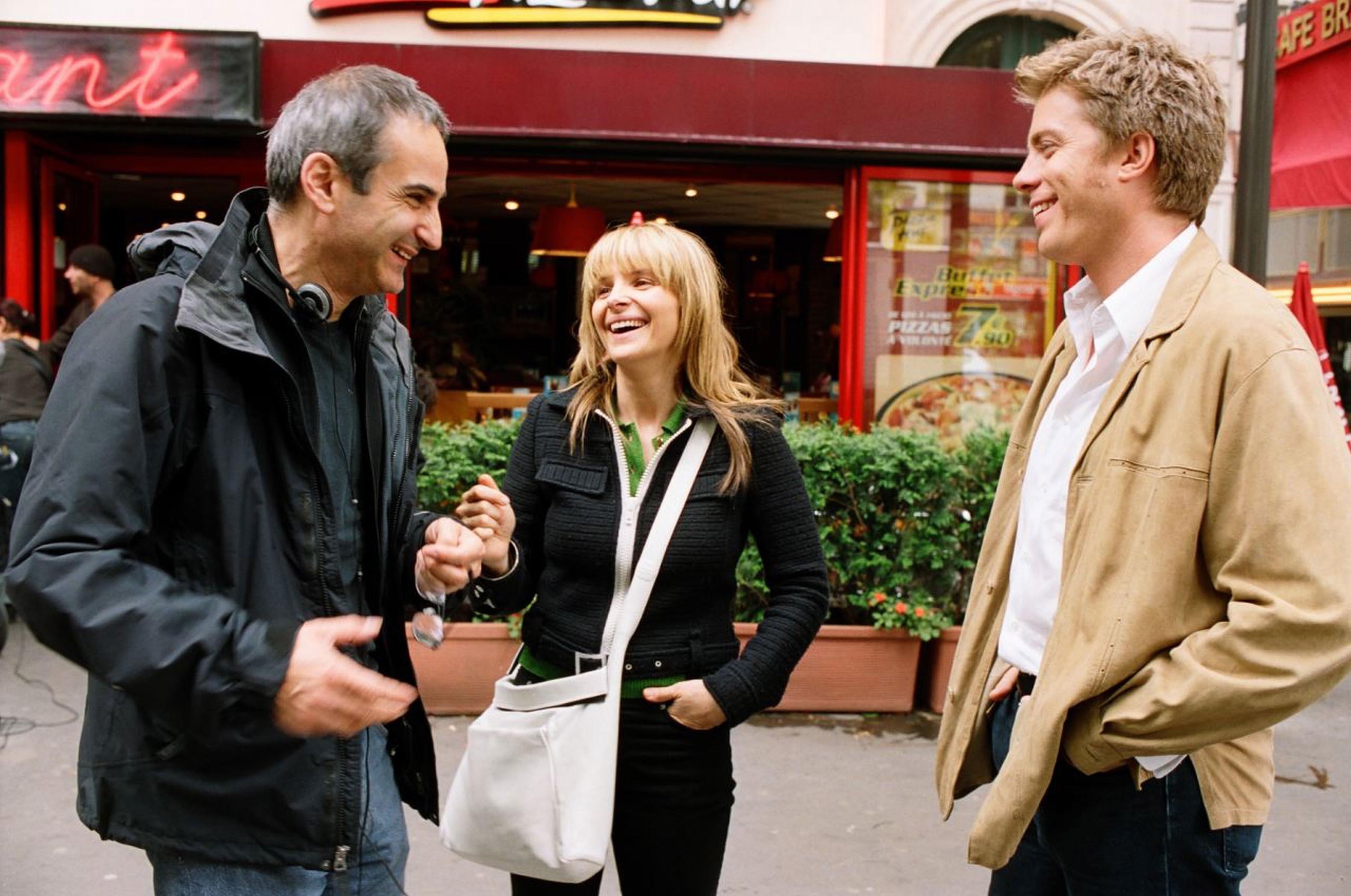 Juliette Binoche, Olivier Assayas, and Kyle Eastwood in L'heure d'été (2008)