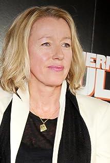 Elaine Constantine Picture
