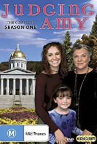 Amy Brenneman and Tyne Daly in Judging Amy (1999)