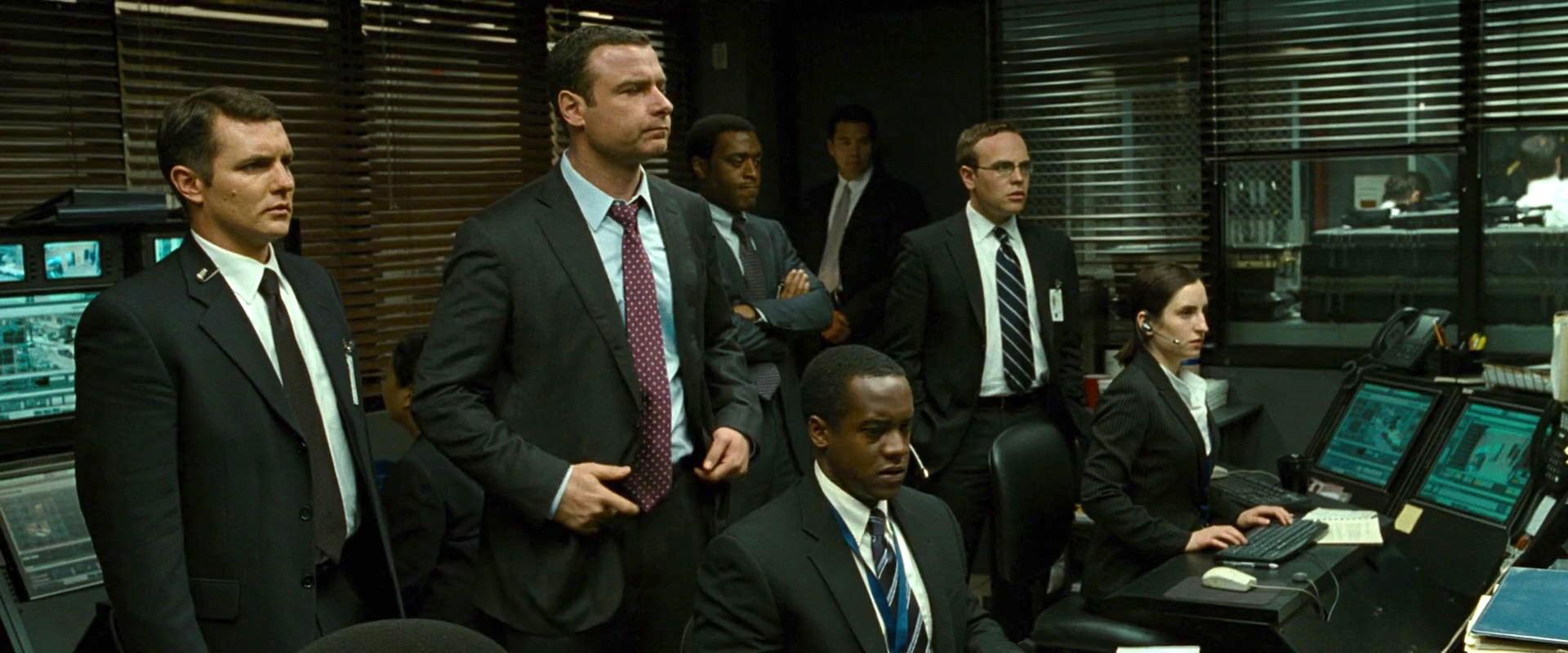 Liev Schreiber, Chiwetel Ejiofor, Zach Shaffer, Albert Jones, Kevin O'Donnell, and Zoe Lister-Jones in Salt (2010)