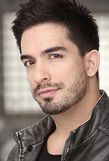 Manny Alva Picture