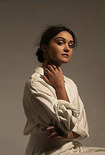Ariela Barer Picture