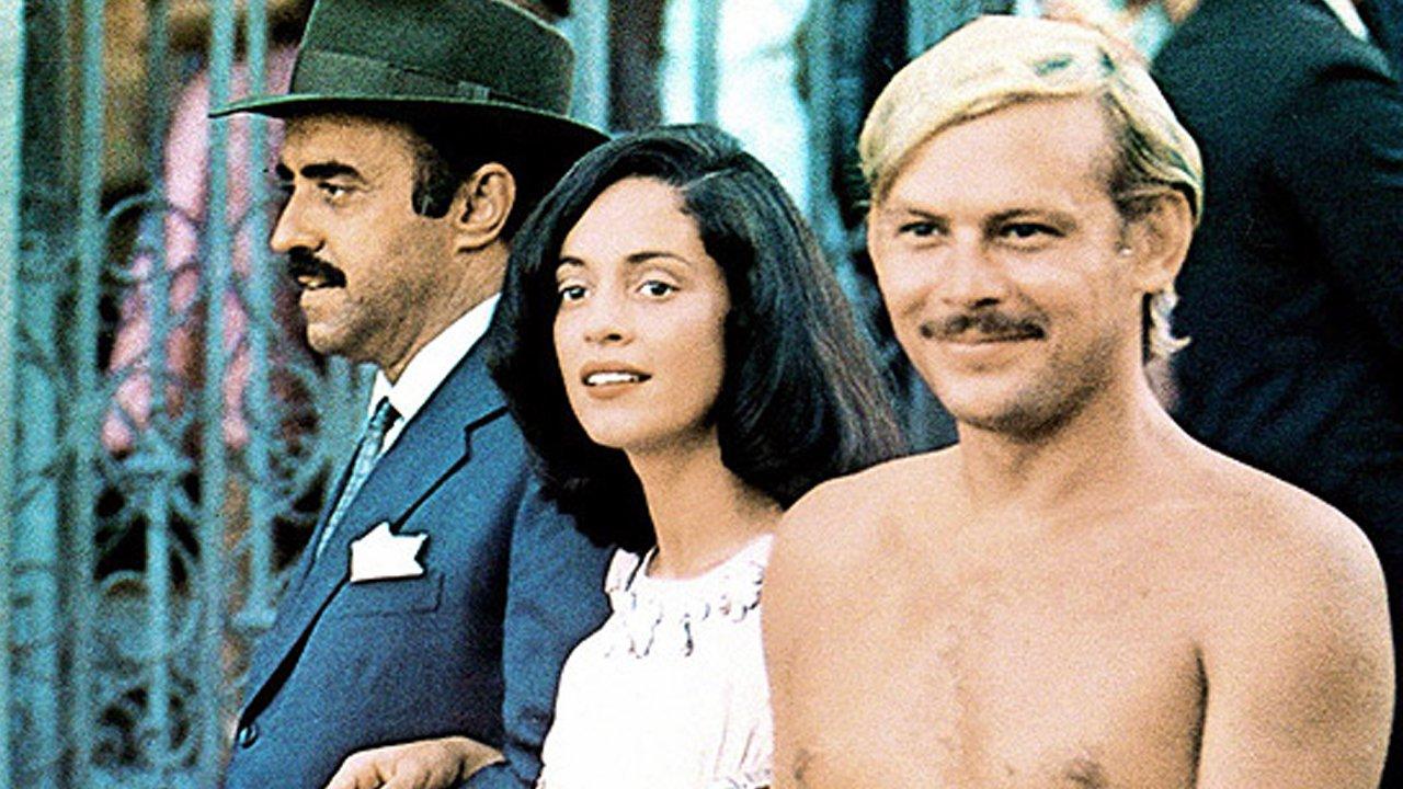 Sônia Braga, Mauro Mendonça, and José Wilker in Dona Flor e Seus Dois Maridos (1976)