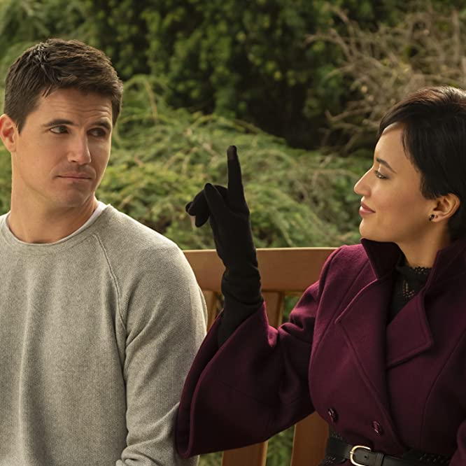 Robbie Amell and Andy Allo in Upload (2020)