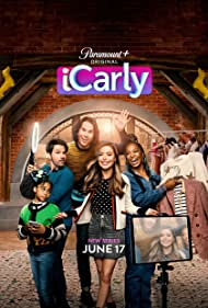 Nathan Kress, Jerry Trainor, Miranda Cosgrove, Jaidyn Triplett, and Laci Mosley in iCarly (2021)