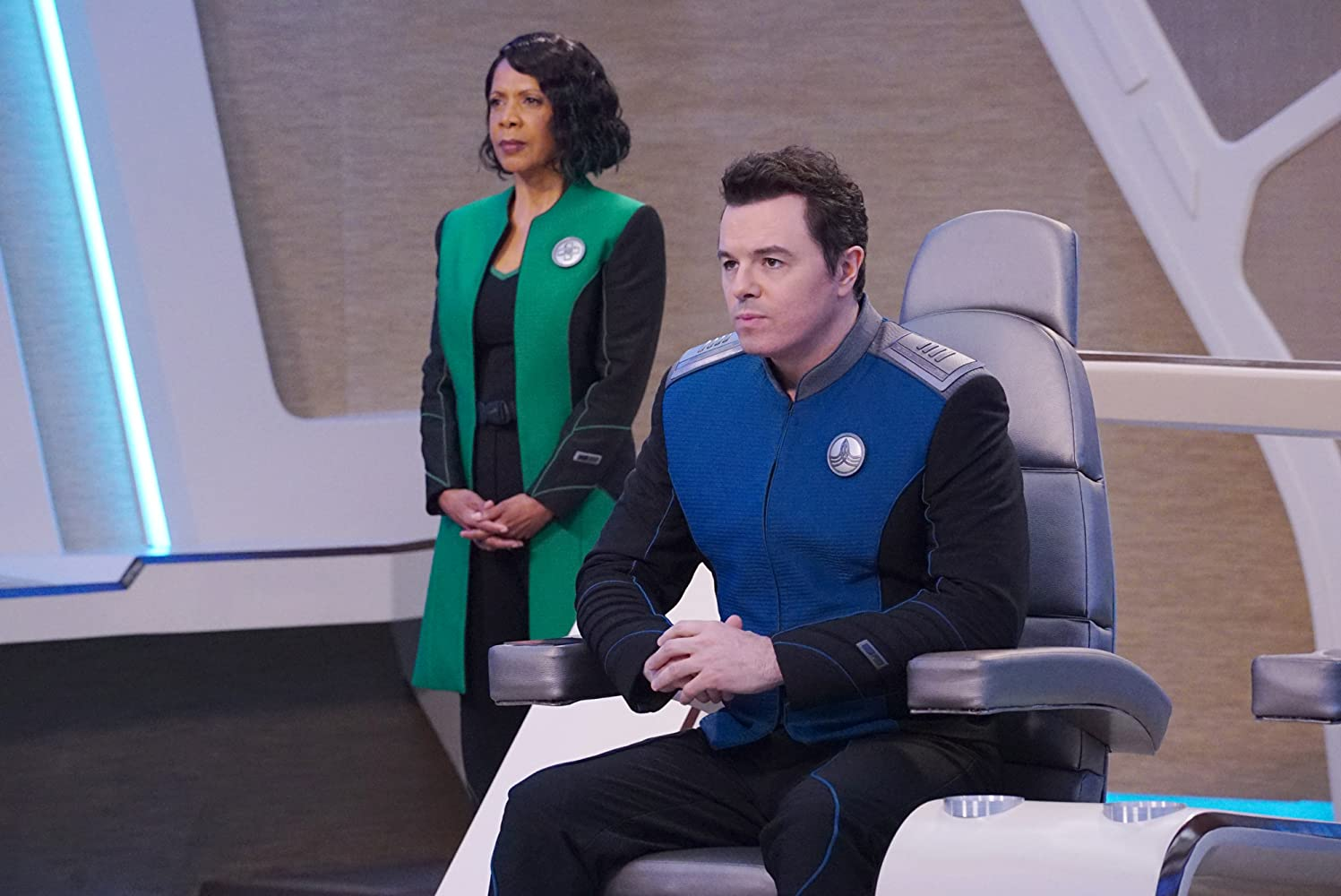 Penny Johnson Jerald and Seth MacFarlane in The Orville (2017)