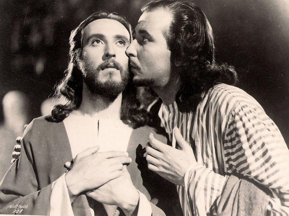 Luis Alcoriza and Tito Junco in María Magdalena, pecadora de Magdala (1946)