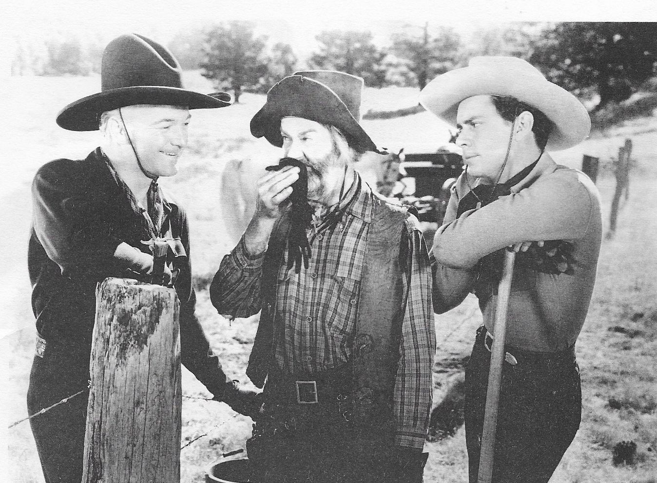 William Boyd, Russell Hayden, and George 'Gabby' Hayes in The Frontiersmen (1938)