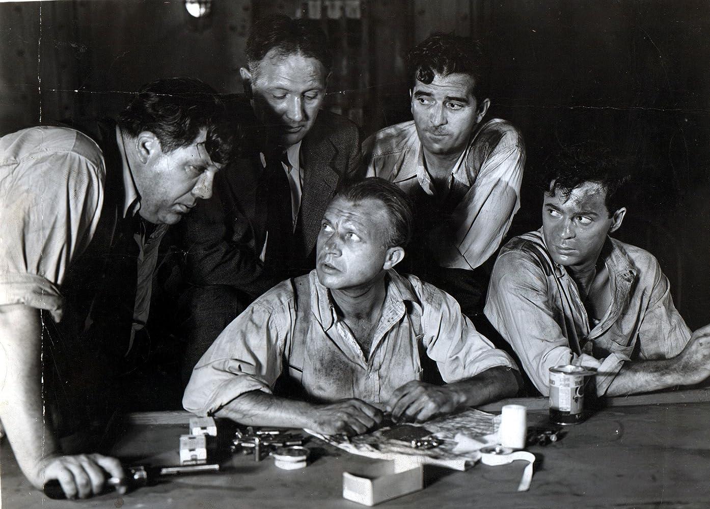 Dwight Frye in Mystery Ship (1941)