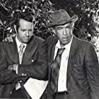Anthony Quinn and Mike Farrell in The Man and the City (1971)