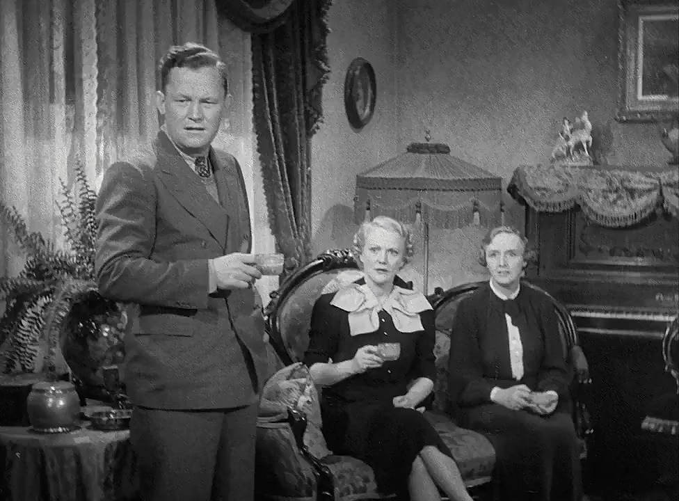 Minna Gombell, Ray Mayer, and Elisabeth Risdon in Make Way for Tomorrow (1937)