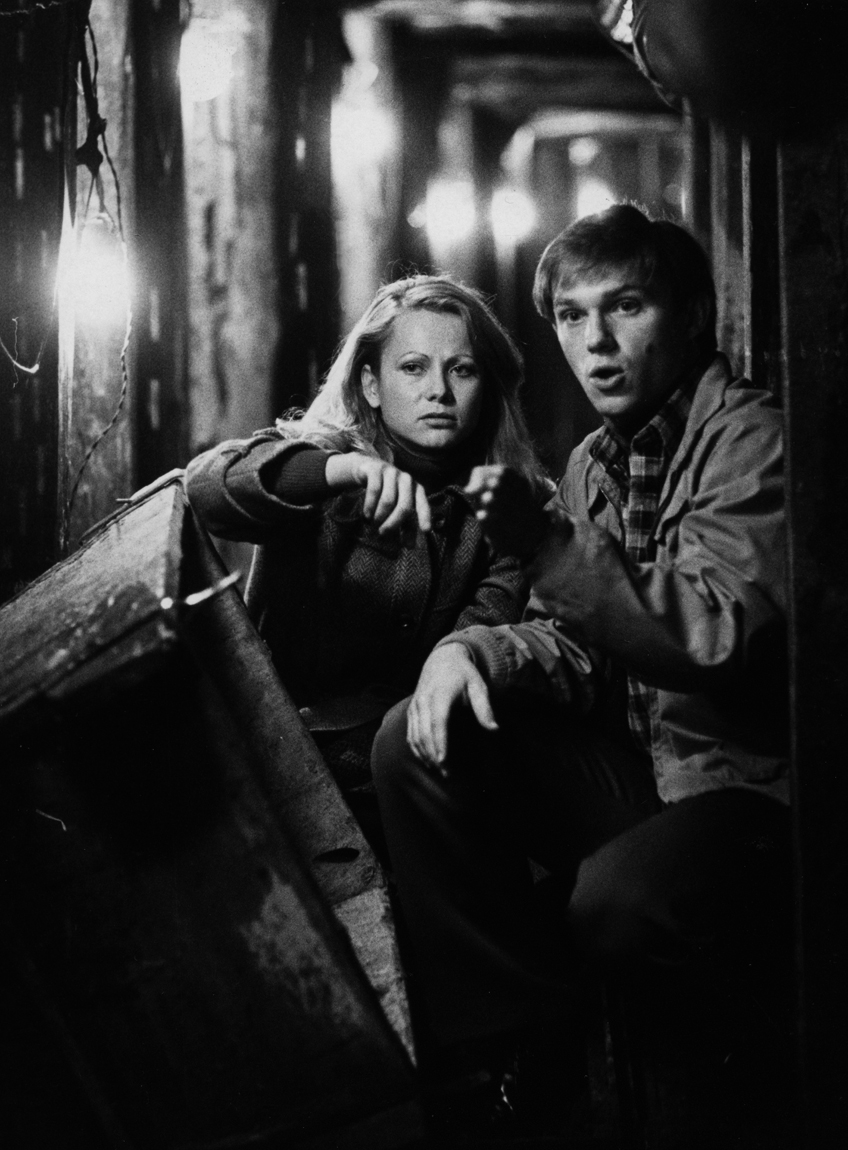 Richard Thomas and Ute Christensen in Berlin Tunnel 21 (1981)