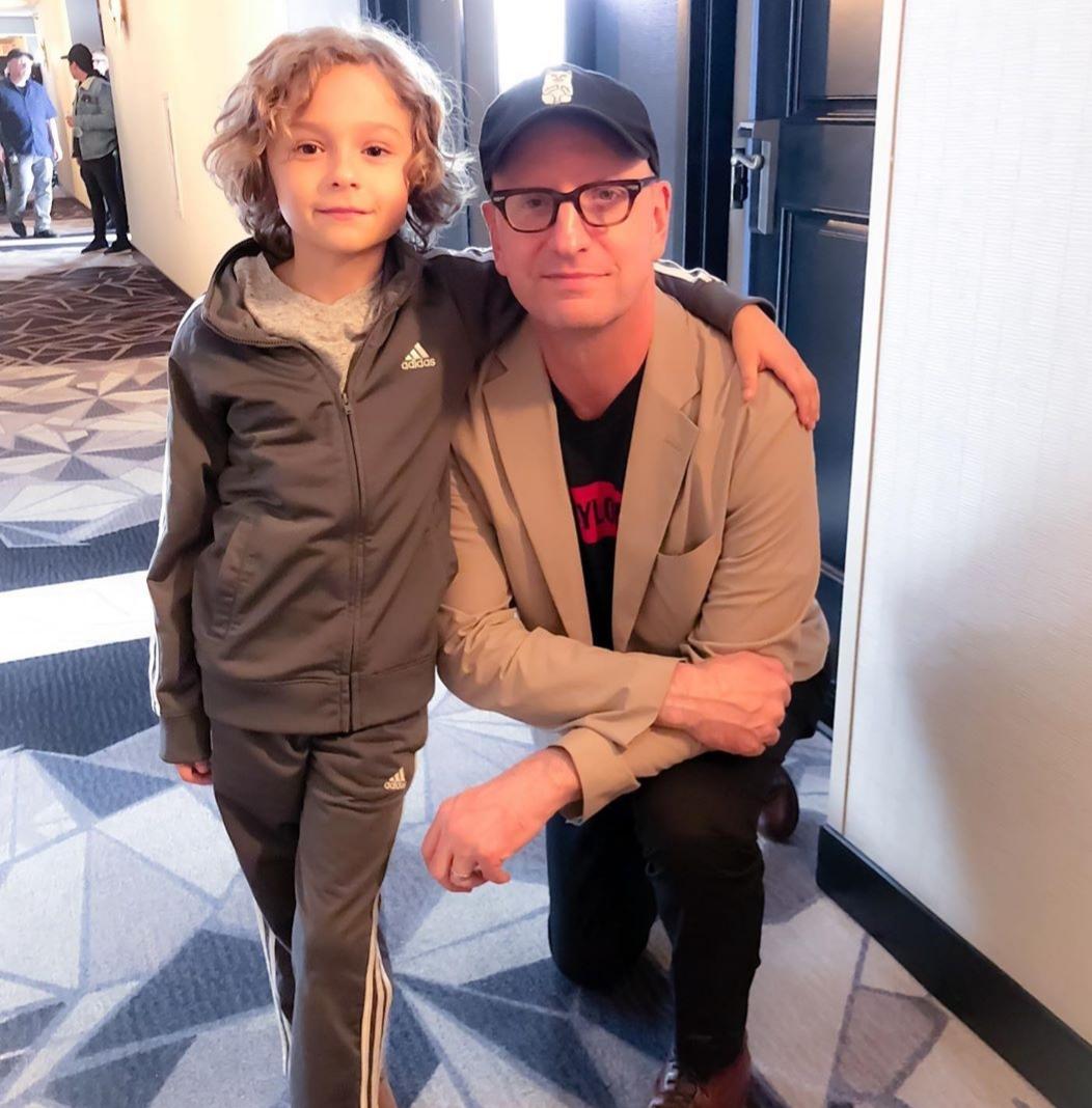 Steven Soderbergh and Brock Brenner in The Laundromat (2019)