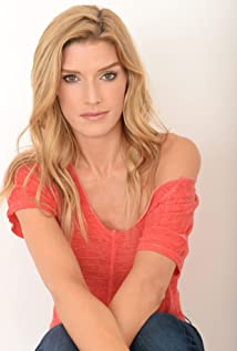 Camilla Cleese Picture