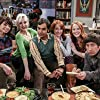 Alessandra Torresani, Simon Helberg, Katie Leclerc, Kate Micucci, Kunal Nayyar, and Laura Spencer in The Big Bang Theory (2007)
